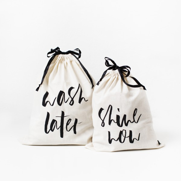 "Laundry Bags Set of 2 ""Wash & Shine"""